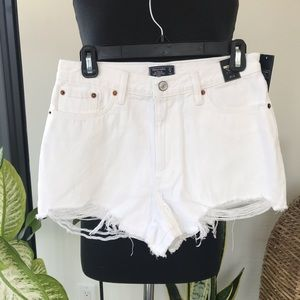 🔺Abercrombie & Fitch - White Cut Off Jean Shorts